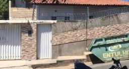 NEGOCIÁVEL- Casa e Apartamento (2 imóveis) R$250.000