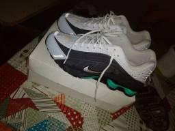 Nike Shox R4 42