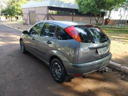 Ford Focus Hatch 2006 1.6 Completo