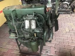 Motor Mercedes 352 ótimo estado