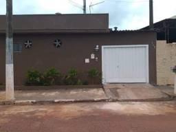 Alugo casa no Centro em Pitangueiras