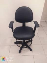 Cadeira Semi nova!