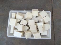 Sabão caseiro em pedaços (1kg)