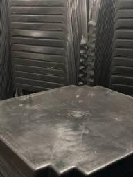 Preço de Revenda Mesa plástica cor preta nova