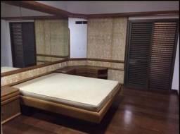 Apartamento para aluguel possui 280 metros quadrados com 4 quartos