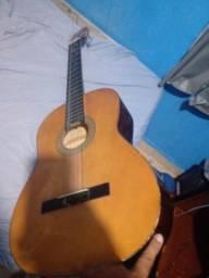 Vendo esse violão ótimo 80 reais