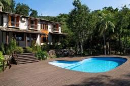 Título do anúncio: MARAVILHOSA casa com 739m² na Lagoa da Conceição.