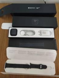 Apple Wacht Serie 5 Nike + GPS 44mm