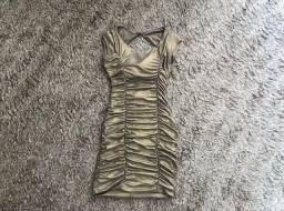 Título do anúncio: Vestido dourado