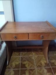 Mesa ou Escrivaninha, em ótimo estado