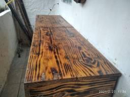 Balcão  de madeira