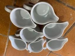 Título do anúncio: 7 jarras de porcelana branca