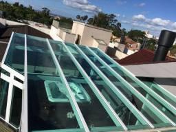 Telhados e coberturas de area em vidro temperado