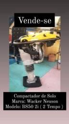Vende se compactador BS502I