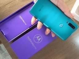 Título do anúncio: Celular Motorola one action semi novo