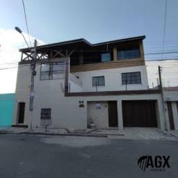 Linda casa Tríplex a venda no bairro São Gerardo com 586 m²