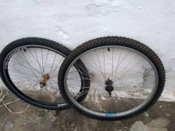 Par de aro 26  com pneu
