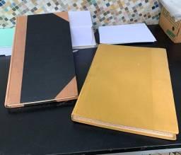 Livros em branco antigos