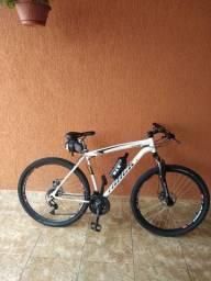 Vende - se bicicleta track bikes Tb Niner, aro 29, 21 velocidades, branca