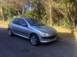 Peugeot Selection 1.0 2001 Prata 4 portas