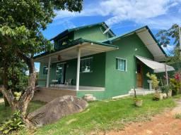 Vende-se casa em Angra