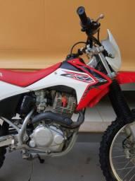 CRF 230/ANO 2020/ MOTOR ORIGINAL/ PNEUS NOVOS/ SEM DETALHES.