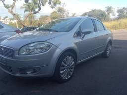 Fiat línea essence
