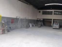Aluga-se Barracão Comercial