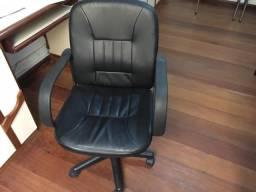 Cadeiras de escritório com ajuste e acolchoamento
