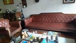 Jogo de sofá com poltrona Luiz XV