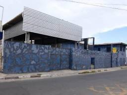 Excelente prédio com galpão para grandes negócios em Itinga