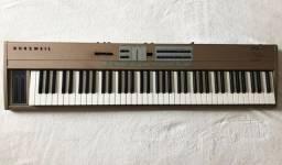 Teclado Piano Digital Kurzweil Sp76 Chanpagne em perfeitas condições