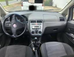 Fiat Punto Italia 1.4 completo - 2013