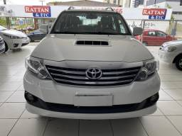 TOYOTA HILUX SW4 2013 7 LUGARES 4x4 - 2013