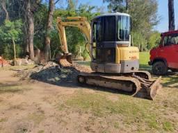 Mini escavadeira E50B