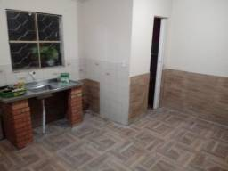 Ótimos quartos somente para rapazes solteiros c/banheiro individual