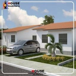 Casas à venda, com 2 quartos, 2 vagas na garagem/ Santo Estevam_