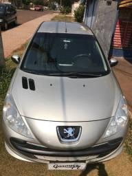 Lindo Peugeot 207 XR 1.4 completo 2011 bem novinho