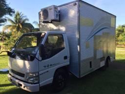 Caminhão jmc com unidade móvel de Raiox