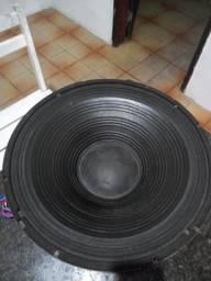 Vende-se um alto falando de 18 polegada por 300 reais ja esta no menor valor