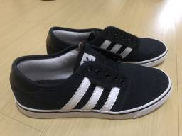 Tênis Adidas Originals tamanho 40