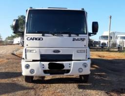 Ford Cargo 2422 com Carroceria