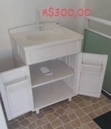 Excelente armário completo para o seu banheiro