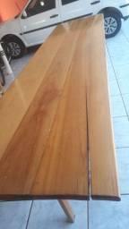 Mesa e Bancos de madeira