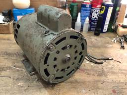Vendo motor elétrico 1HP