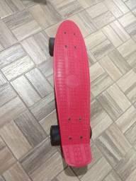 Mini skate board semi novo