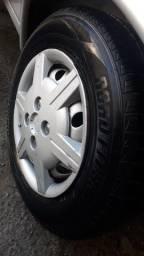 Título do anúncio: Roda 13 original Corsa pneus 175 75 R13