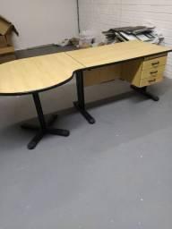 Escrivaninha com mesa - doação