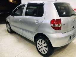 Volkswagen - Fox 1.6 Completo 2009
