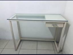 bancada mesa com tampo de vidro e gaveta